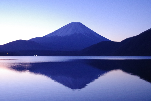 湖に写る富士山