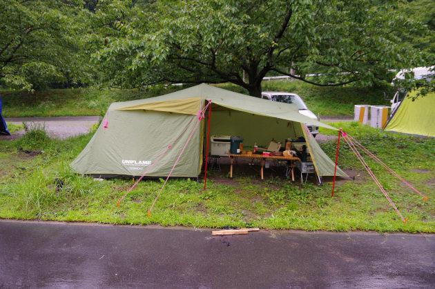 雨キャンプへ突入