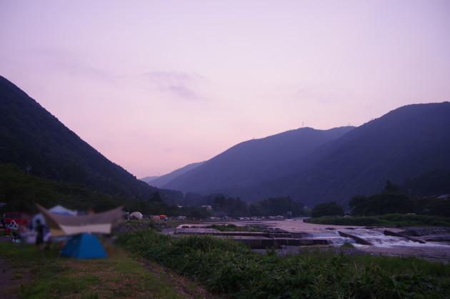 粕川は日も落ちて