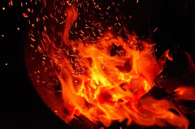 BBQの火