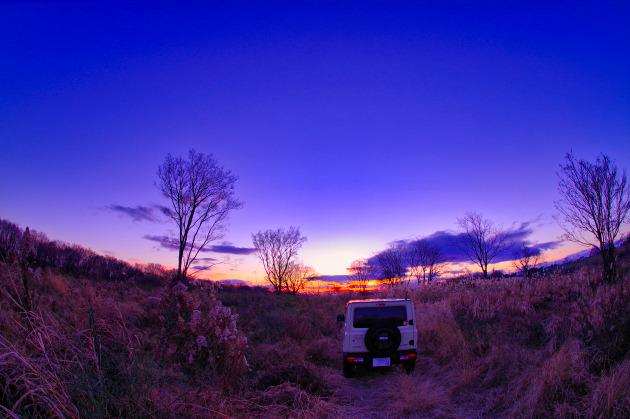 夕陽とジムニー