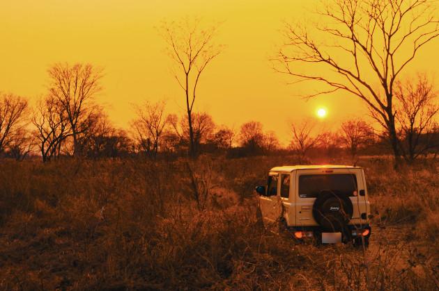 ジムニーと夕陽
