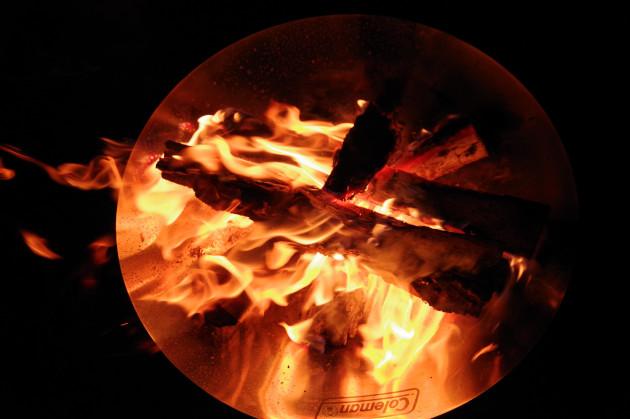ファイアーディスクで焚き火