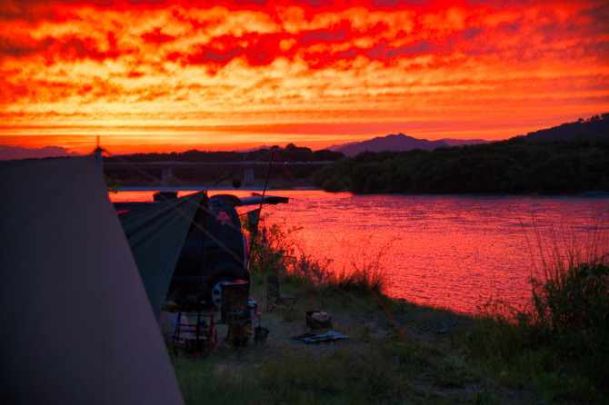 赤い夕陽に癒された新野営地でのソロキャンプ 前編