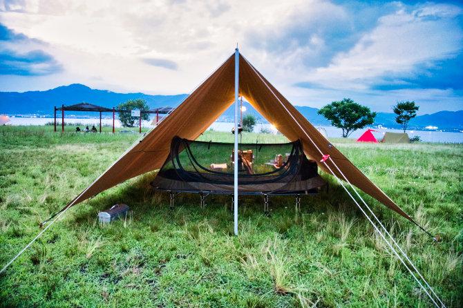 駐車場の閉鎖が解除された琵琶湖の湖岸緑地でソロキャンプ!