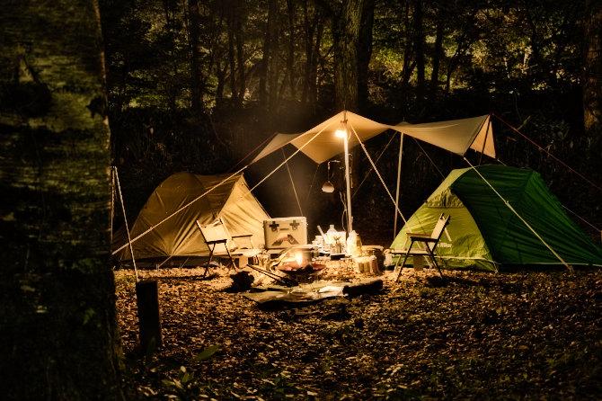 標高1300mの森の中で二人ソロキャンプ 前編