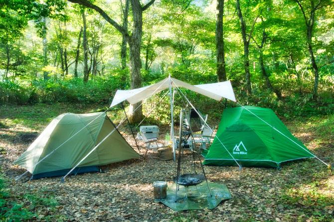 標高1300mの森の中で二人ソロキャンプ 後編