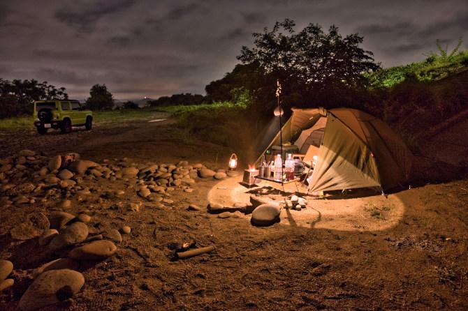 大雨の野営地を彷徨い漂着した楽園でソロキャンプ