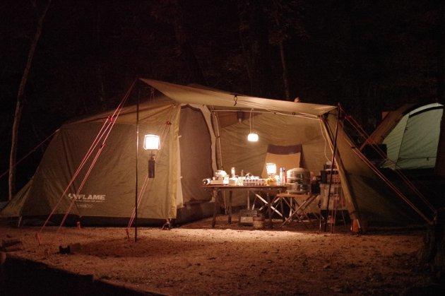 ソロキャンプの夜